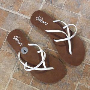 8588cf33b6e3 Volcom flip flop sandals shoes size women s 7